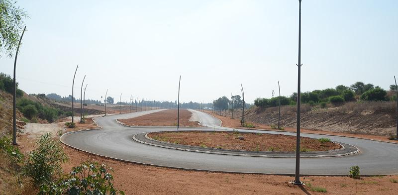 הכביש שנסלל על חלק משטח פרטי. חלון ההזדמנויות לתבוע על פגיעה עומד להיסגר / צילום: איל יצהר, גלובס