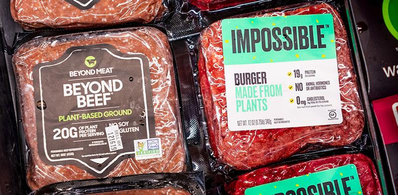 """תחליפי הבשר """"אימפוסיבל"""" ו""""ביונד מיט"""". הסטארט-אפ הבריטי הצטרף לתחרות  / צילום: shutterstock, שאטרסטוק"""