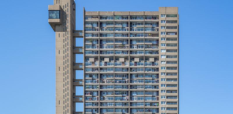 משרדים מוסבים לדירות מגורים צפופות בעקבות הגדילה המתמדת באוכלוסיה והשינויים בתקנות הבנייה כתוצאה מכך / צילום: shutterstock, שאטרסטוק