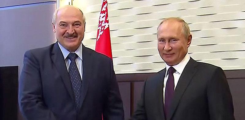 ולדימיר פוטין ואלכסנדר לוקשנקו. סוצ'י, רוסיה / צילום: Russian Presidential Press, Associated Press