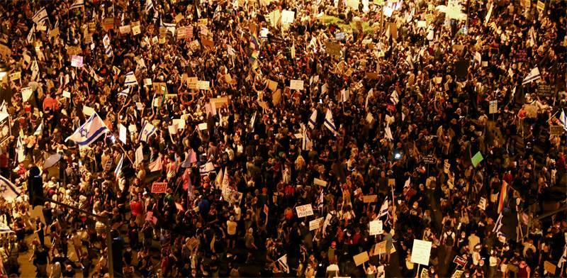 מפגינים במחאה בבלפור בשבת הראשונה של אוגוסט / צילום: Oded Balilty, AP