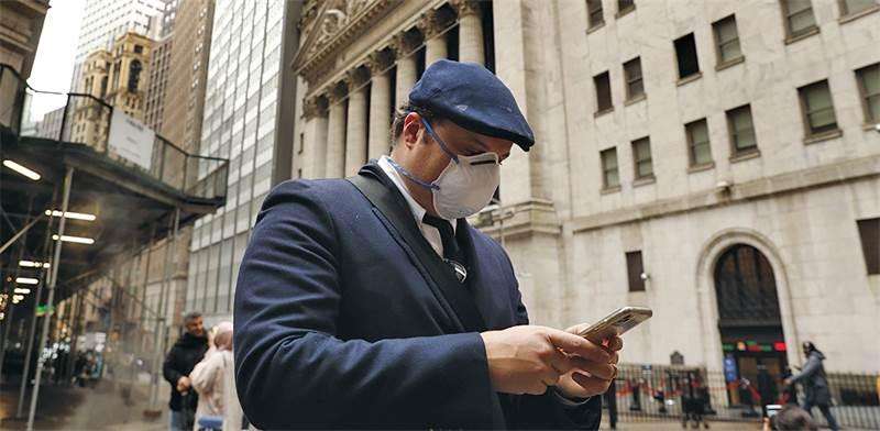 בניין בורסת ניו יורק. קרנות CLO מהוות כ־50% משוק ההלוואות, המוערך ב־1.4 טריליון דולר  צילום: רויטרס / LUCAS JACKSON