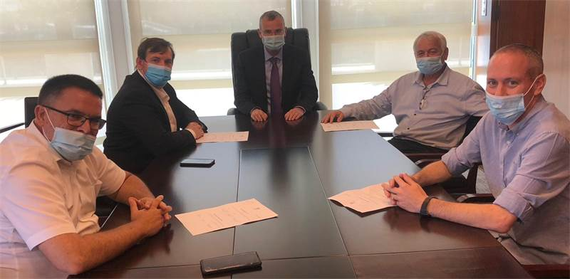 """שרי כחול לבן מגישים את התפטרותם ליו""""ר הכנסת / צילום: דוברות הכנסת"""