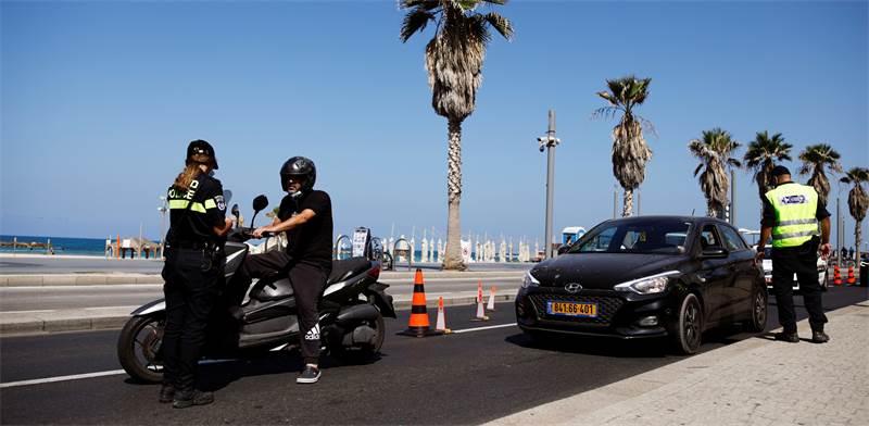 Lockdown on Tel Aviv seafront  / Photo: Corinna Kern Reuters , Reuters