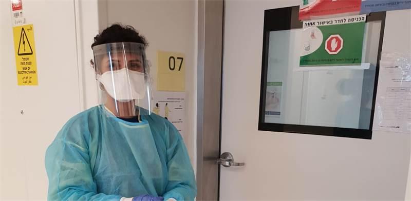 """ריי ביטון במשמרת בביה""""ח באסותא / צילום: תמונה פרטית"""