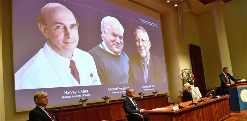 רגע ההכרזה על הזוכים בפרס נובל / צילום: TT News Agency, רויטרס