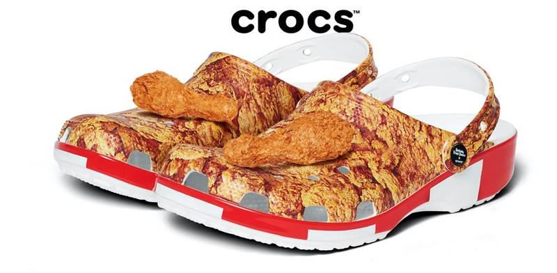 """הקרוקס החדשות במיתוג העוף המטוגן של KFC / צילום: Crocs, יח""""צ"""