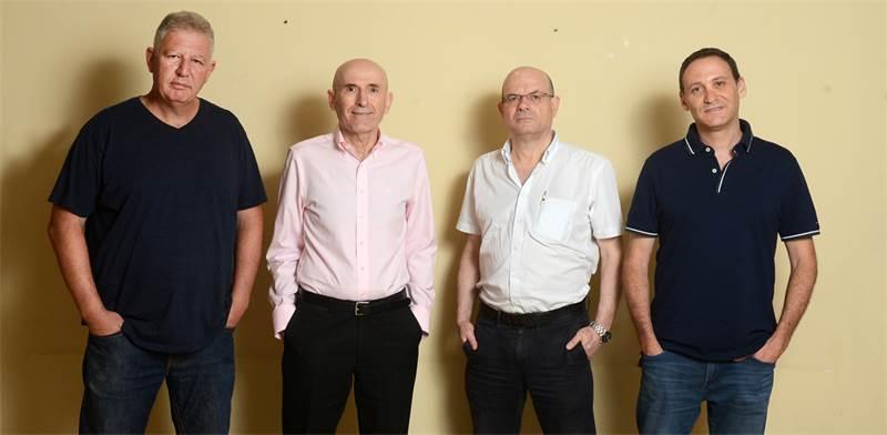 משמאל לימין: גילעד אלטשולר, דב ילין, יאיר לפידות ורן שחם צילום: איל יצהר