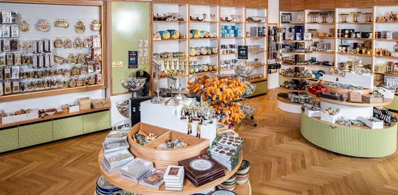 Layam souvenir store