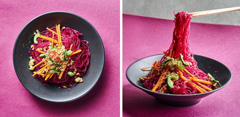 """סלט איטריות זכוכית בגווני אדום, מסעדת פקין בת""""א / צילום: אמיר מנחם"""