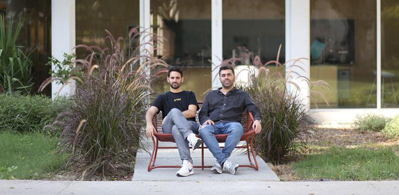 """היזמים איציק אלבז (מימין) ועירא בלסקי. """"רק התחלנו לגרד את הפוטנציאל"""" / צילום: מתן פורטנוי"""
