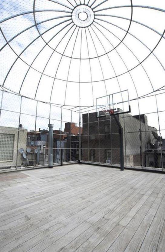 ניו יורק - כל בית צריך מרפסת (ומגרש כדורסל על הגג)