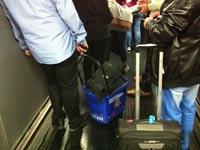"""ישראלי גנב עגלה מהדיוטי פרי בקפריסין /  מתוך דף הפייסבוק """"נלחמים בישראלי המכוער"""""""